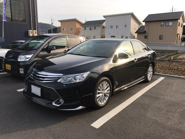 トヨタ カムリハイブリッドにラッシュの車高調の取り付けです。岡山市からのお客様です。