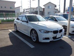 BMW3シリーズにウインコスGY–5IRでカーフィルム施工、ドライブレコーダー取り付けです。岡山市からのお客様です。