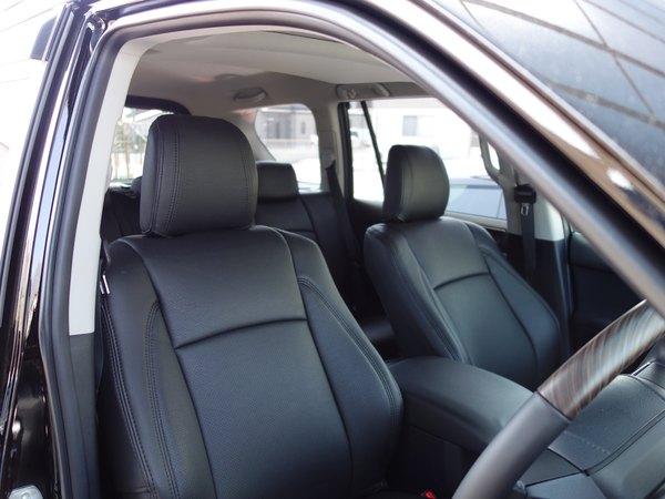 ランドクルーザープラドにスパイシーチューンのシートカバー取り付けです。倉敷市からのお客様です。