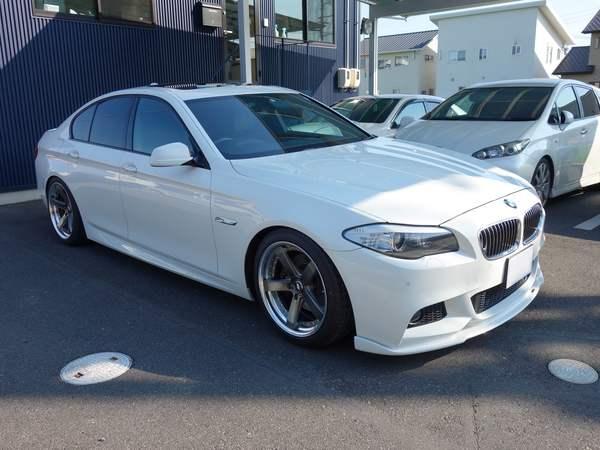 BMW5シリーズにガラスコーティング、レーダー、ドライブレコーダー取り付けです。倉敷市からのお客様です。